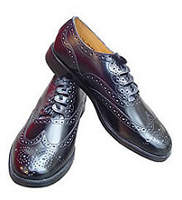 How about a pair of wine-coloured brogues if they look good with your kilt?